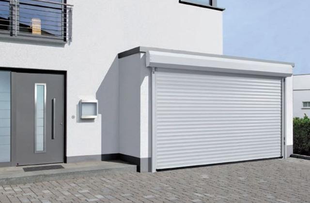garage à porte enroulable