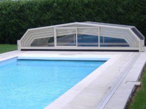 abris de piscine ouvert