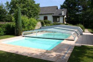 abris de piscine semi-ouvert
