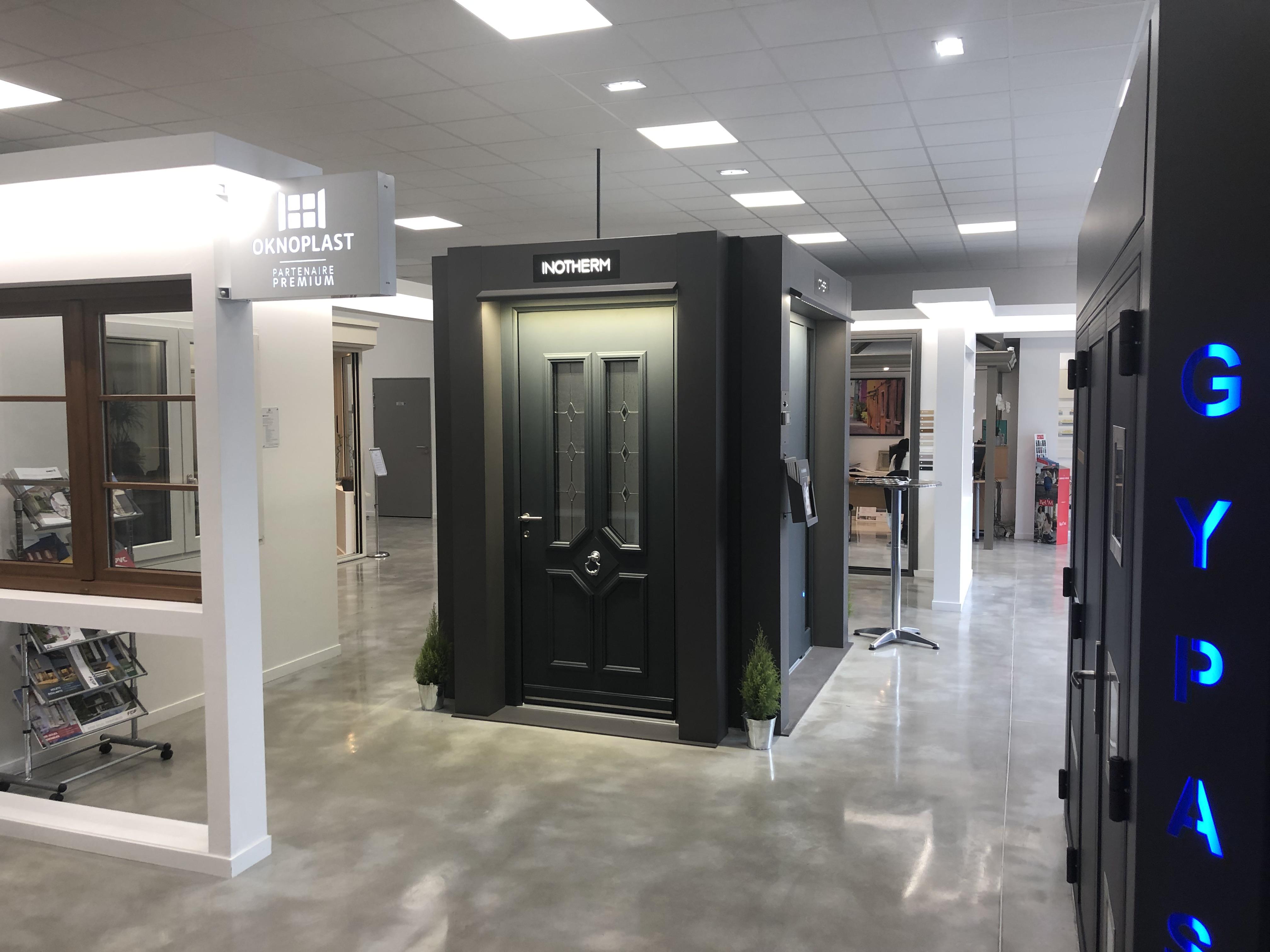 portes-verre-clair-nouveau-showroom-l-isle-adam